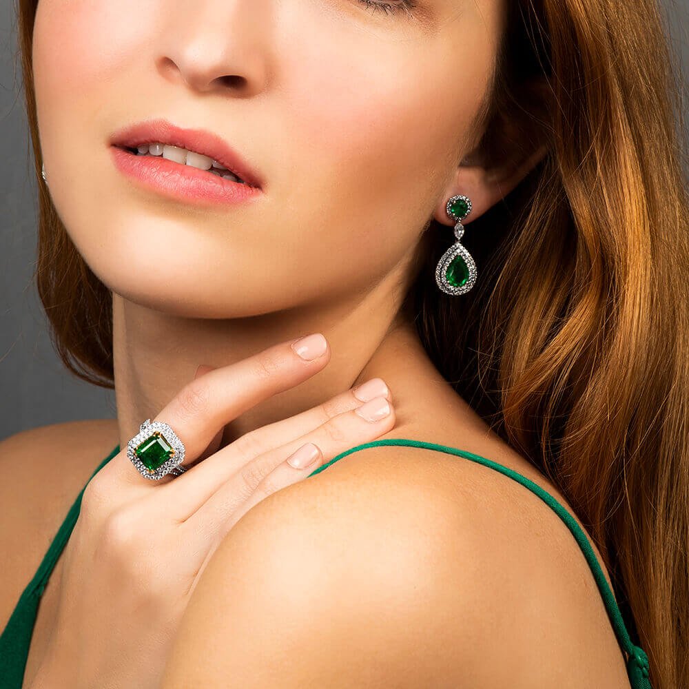diamond and emerald jewelry